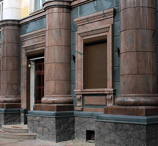 Послуги з облицювання фасадів каменем